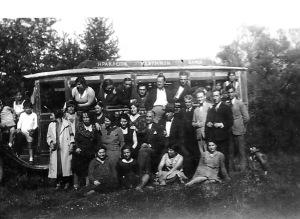 Πρωτομαγιά 1931, Λεωφορείο Ηράκλειον- Ρέθυμνον- Χανιά